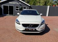 2019 Volvo V40 T3 Momentum Geartronic
