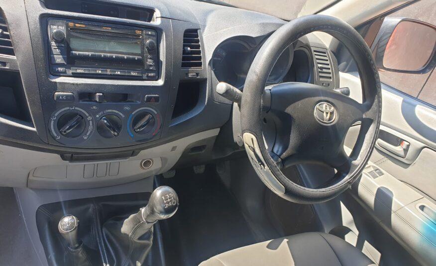 2010 Toyota Hilux 2.5 D-4D SRX 4×4 Single-Cab